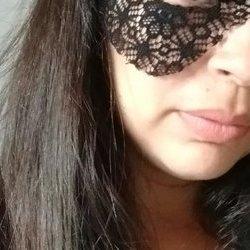 Camila 25