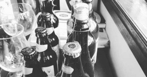 E o q estão aprontando nesse sábado? Eu tô cervejando! ONLINE só amanhã depois da meia-noite! Enquanto isso, aproveite os meus vídeos a venda por somente a 5 créditos! Beijocas! #BebaMenosBebaMelhor #GataCervejeira
